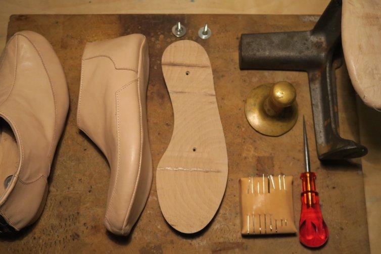 Schuhkurs mit Holzsohle